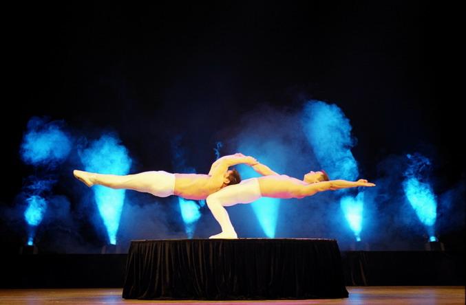 acrobatic show Xvideos ayla mia's acrobatic sex show free.